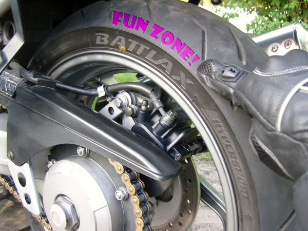 Bridgestone Battlax S20 motorcycle tyre with Fun Zone rear wheel of honda vfr 750