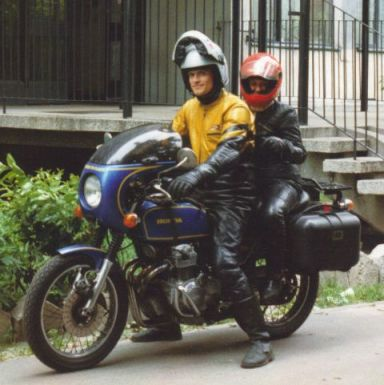 Honda-CB400F-and-pre-historical-Dainese-leather-outfit