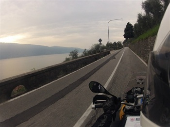 bmw-motorcycle-with-view-to-lago-de-garda
