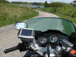 lake-and-hills-ride-motorcycle-with-garmin-gps-zumo-550
