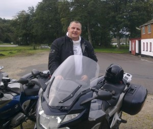 Sonny Frølgaard with his yamaha motorcycle and tourstart gps