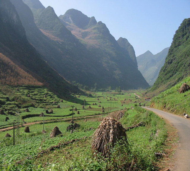 Stunning Vietnam on Motorcycle