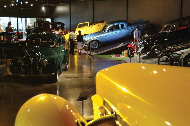 Tour World of WearableArt & Classic Cars Museum image
