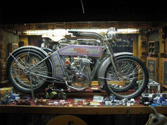 Tour Bill\'s Old Bike Barn image
